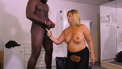 Horny 50PLUS MILFS German