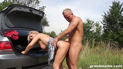 Horny old slut Mia gets an extra long..