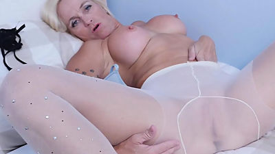 Canadian milf Dani Dare gets herself..