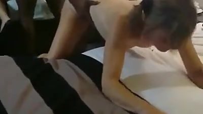 English MILF cumming on BBC