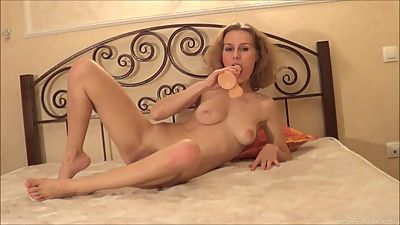 Kinky mom in stockings can't stop..