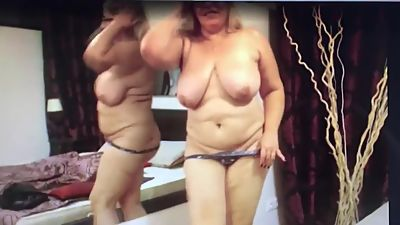 Mature Mom Shows Off