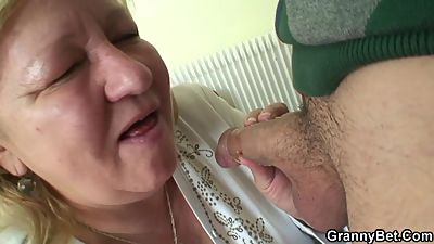 Nasty blowjob and doggystyle granny..