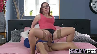 Sexy luxurious MILF hammered in her..