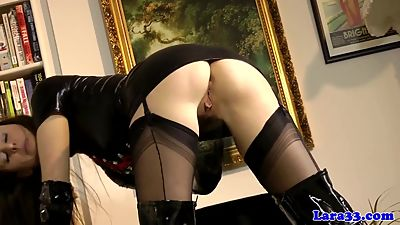 British latex milf fingering vag with..