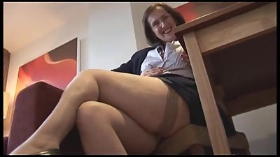 Older Mature MILF Upskirt