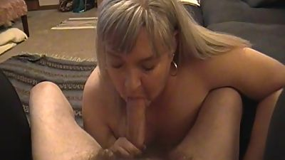Kim Bates takes cock in her mouth. Are..